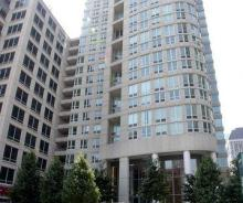 345 N LaSalle – 1 Bedroom CORNER UNIT High-Rise Apartment in River North