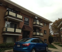 2 Bedroom / 1 bath Condo Within Minutes to Metra Train In Worth – Lender Owned!