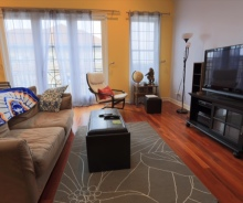 2 bed / 2 bath Penthouse Apartment With In-Unit Laundry & Parking Located on Belmont in Lakeview