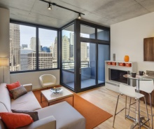 High Rise Condo in Desirable Chicago Loop – 2 Bed / 2 Bath Perfect for Owner or Investor