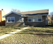 Spacious Single Family Home in Lansing