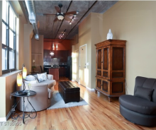 River North Penthouse 1-Bedroom With In-Unit Laundry & Balcony For Sublease