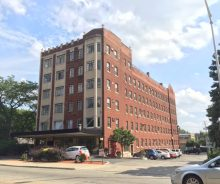 Historic Downtown Oak Park Studio & One-Bedroom Apartments For Rent