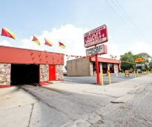 Business with Real Estate – Successful Oil Change & Car Wash on Archer in Archer Heights