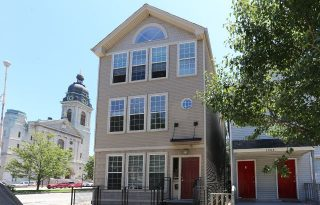 River West 3-Unit Fully Leased Multi-Family Building For Sale Near Chicago Blue Line Station